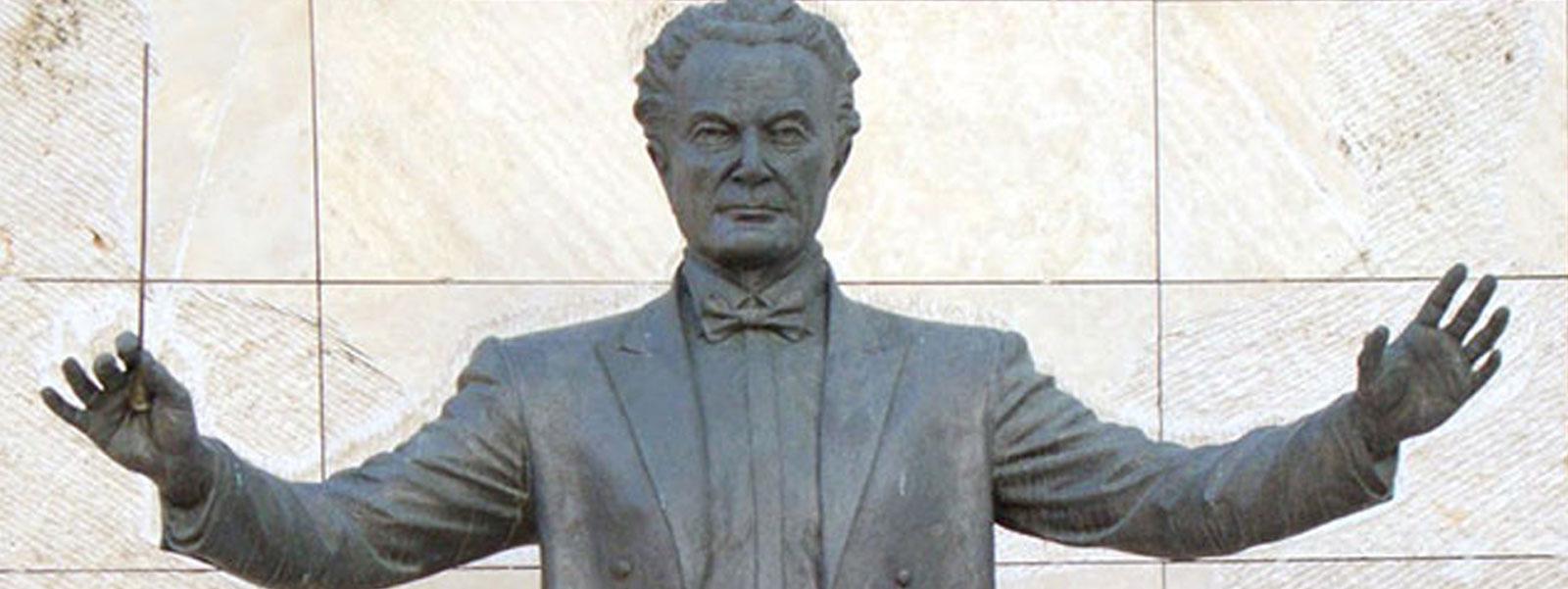 Ahmet Saygun 110 Yaşında - Şef : Gürer Aykal Solistler : Gülsin Onay(Piyano), Emre Engin (Keman)